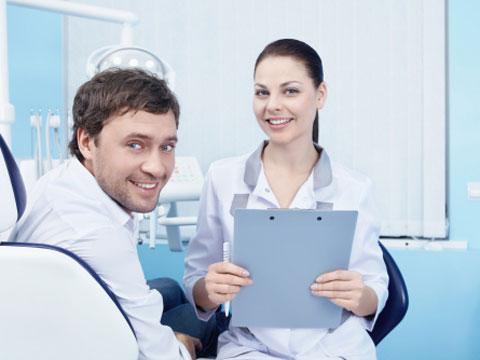 Kiểm tra răng miệng thường xuyên ngăn ngừa các bệnh răng miệng