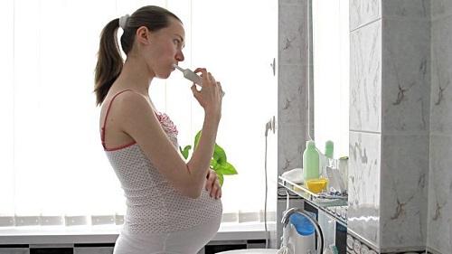 Chăm sóc răng miệng sau khi lấy cao răng