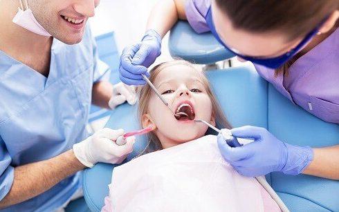 Quy trình điều trị tủy răng sữa ở trẻ