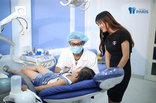 Nên đưa trẻ đến nha khoa điều trị sớm sẽ giúp bé có hàm răng khỏe mạnh